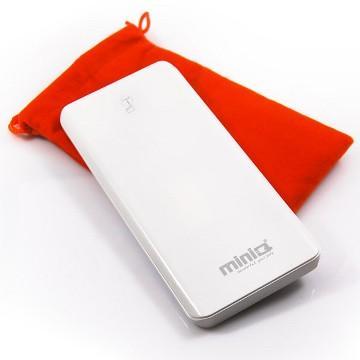 【8000mAh】miniQ 超薄觸控 行動電源-白(MD-BP-011/W)